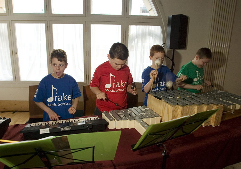 4 children from Lillybank School perform on keys and pitched percussion